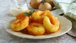 beignets de pommes de terre et parmesan
