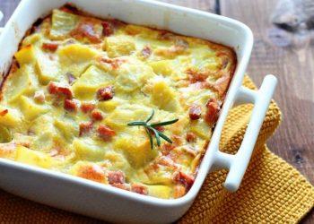 Omelette aux pommes de terre et jambon au four