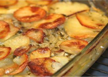 Pommes de terre au four aux oignons