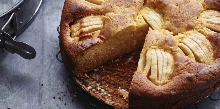 Gâteau aux pommes a la crème anglaise