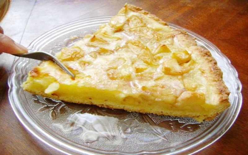 Gâteau aux pommes à la crème pâtissière