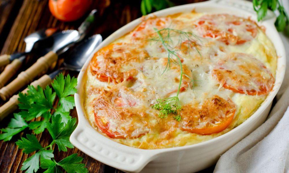 Gratin de pommes de terre, mozzarella et tomates