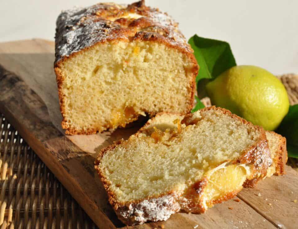 Gâteau aux prunes et au citron