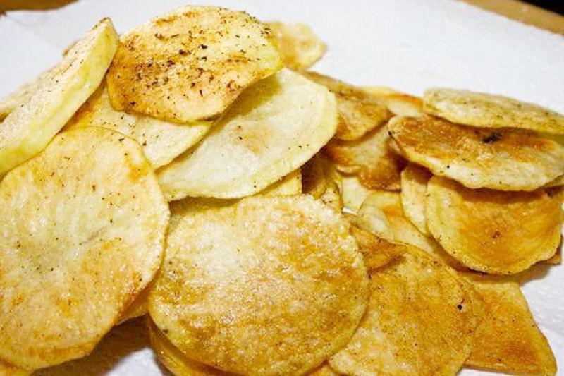 Croustilles de pomme de terre au four aux fines herbes