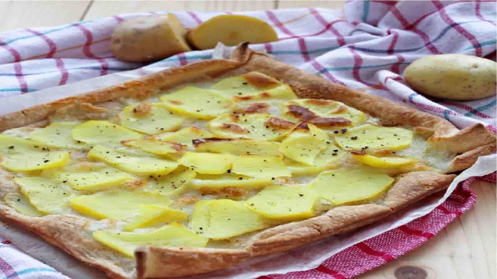 Tarte rustique aux pommes de terre et mozzarella