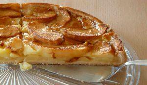 Tarte aux pommes et confiture d'abricots