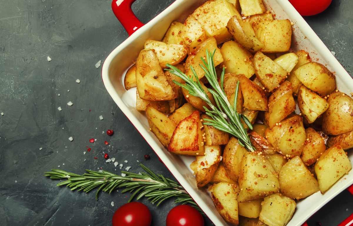 Les pommes de terre au four collent-elles à la poêle? Voici les erreurs que vous faites