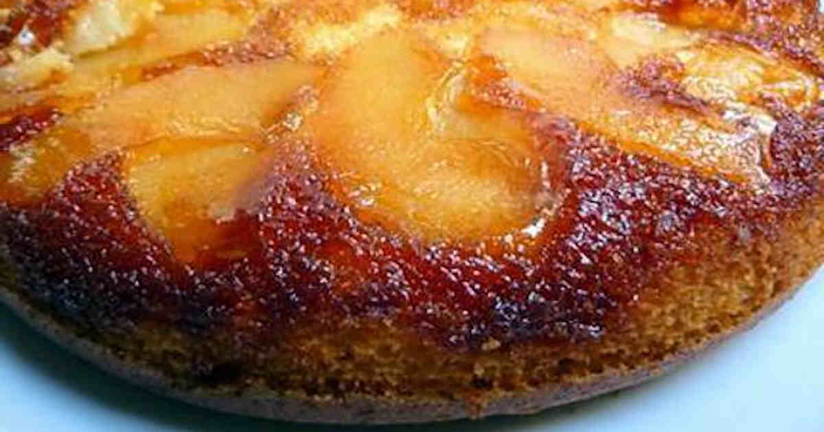 Gâteau au yaourt et aux pommes caramélisées
