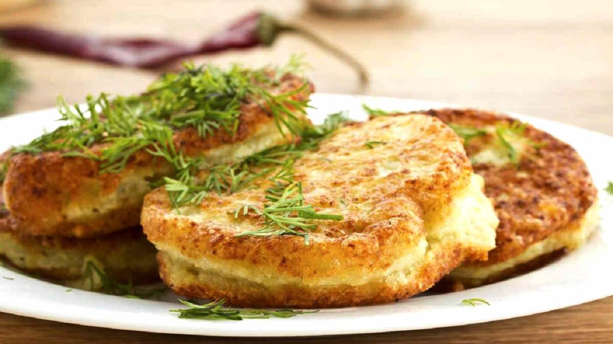 Crêpes de pommes de terre farcies au jambon et mozzarella au four..