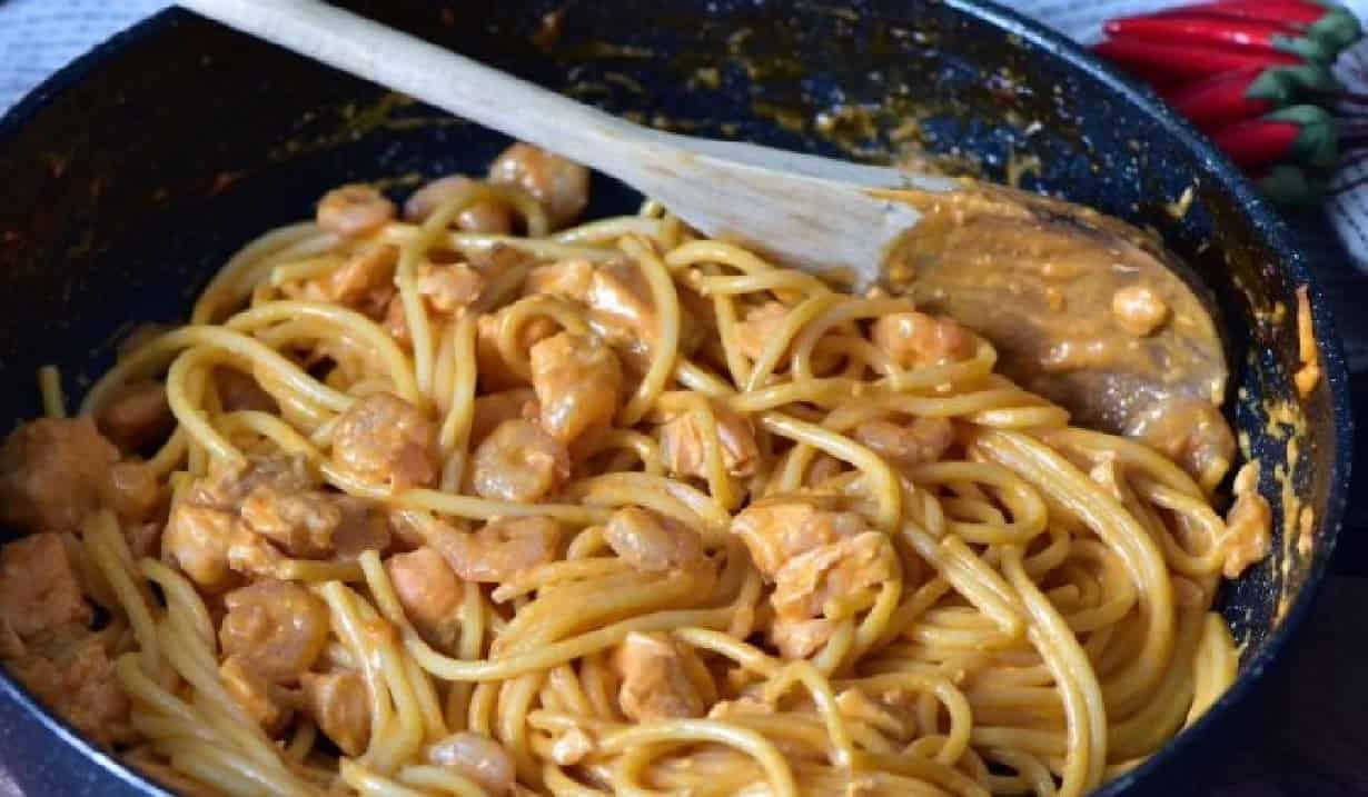 Spaghetti crémeuse au saumon et crevettes
