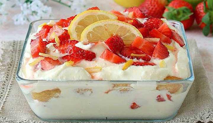 Tiramisu au citron et aux fraises sans œufs: