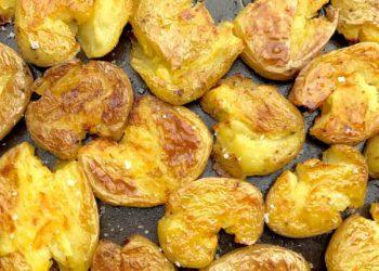 pommes de terre écrasées à l'ail et au thym