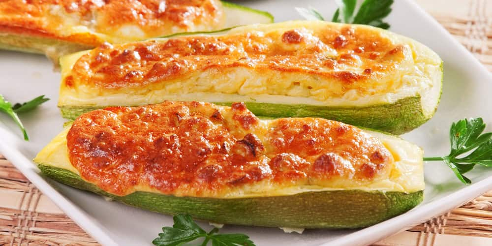 Courgettes farcies au camembert et saucisse