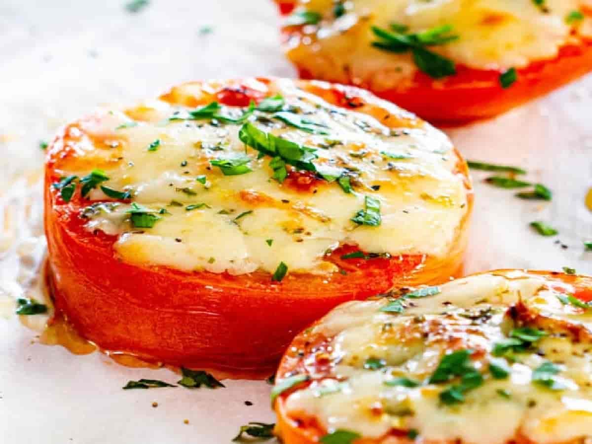Tomates farcie au parmesan au four