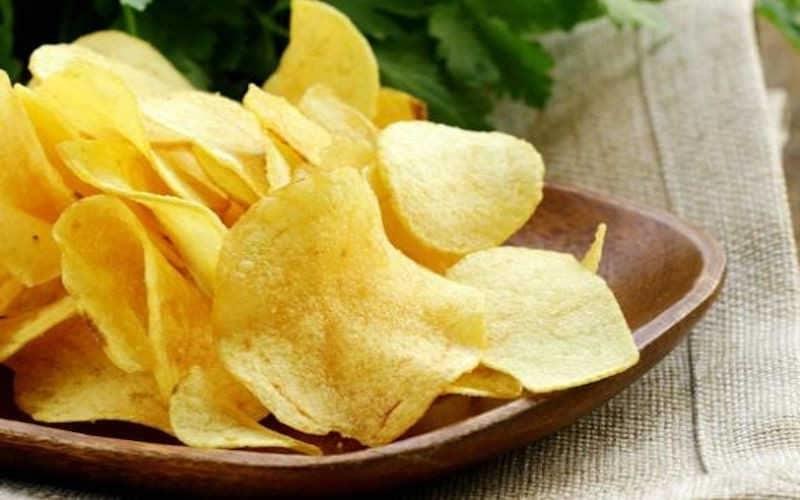 Chips de Pommes de Terre Minute Fait Maison, Croustillantes Au Micro-ondes