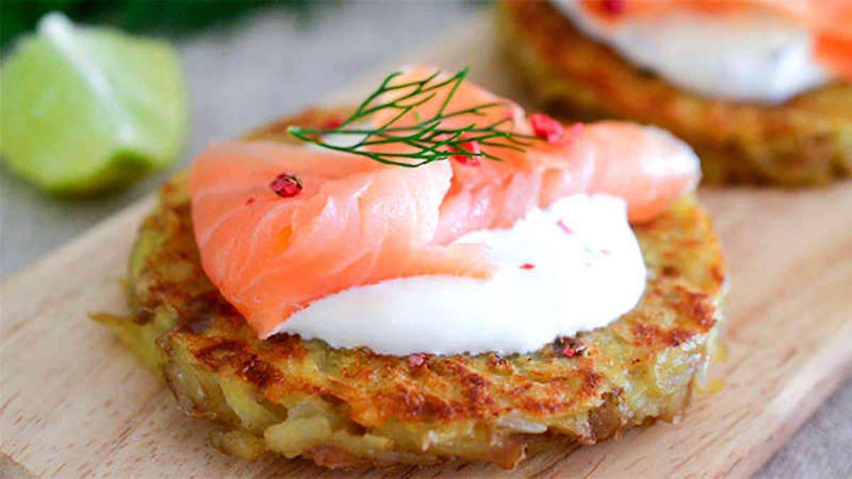 Galettes de pommes de terre au saumon
