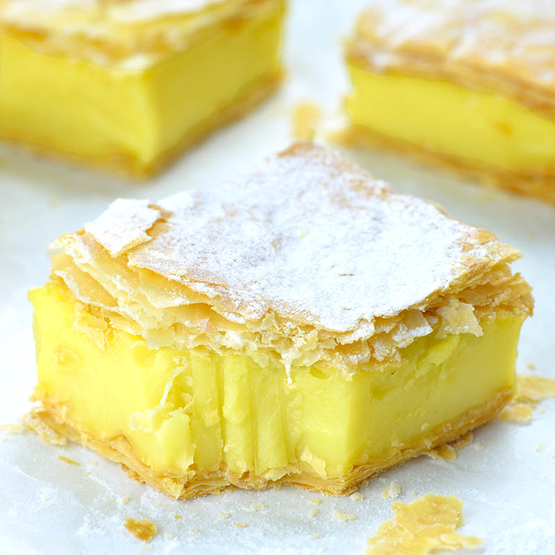 Carrées de crème pâtissière au citron