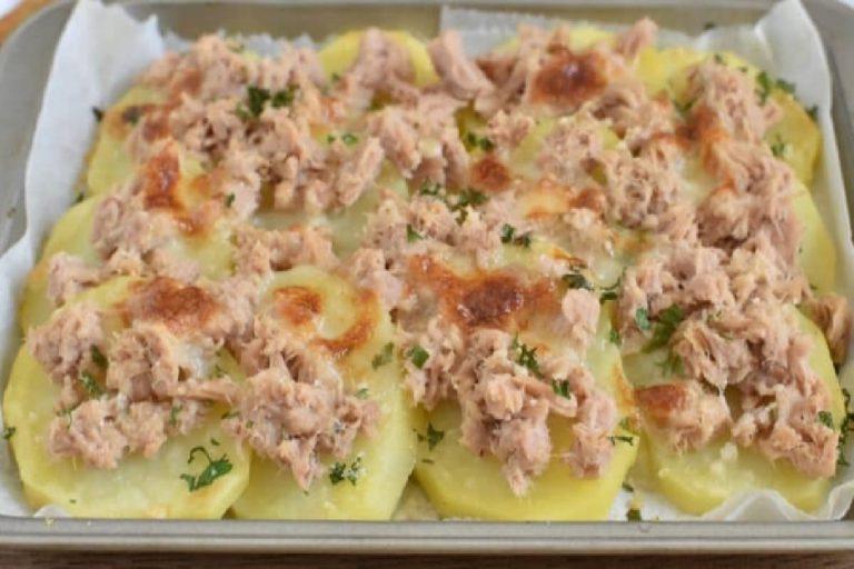 Pommes de terre gratinées au thon et à la mozzarella